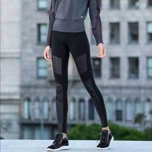 NEW Highwaisted Alo Yoga Moto Leggings